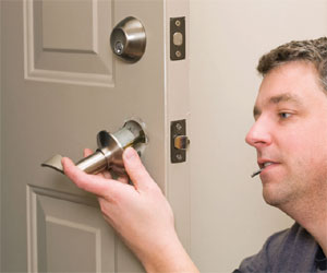 Landlord changing locks image