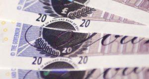 Twenty pound notes image