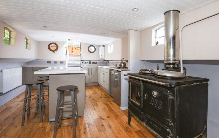 Houseboat interior image