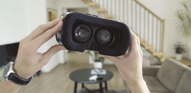 Virtual reality headset image