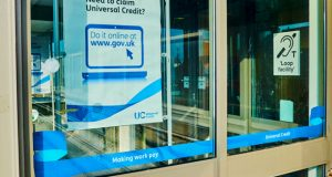 Sign universal credit image