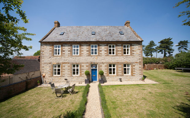 Link to news of quirky property listings