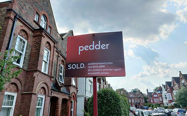 sold signs pedder