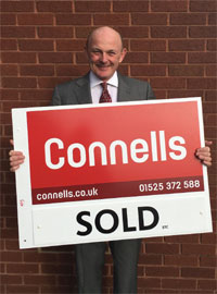 Stephen Shipperley with Connells board image