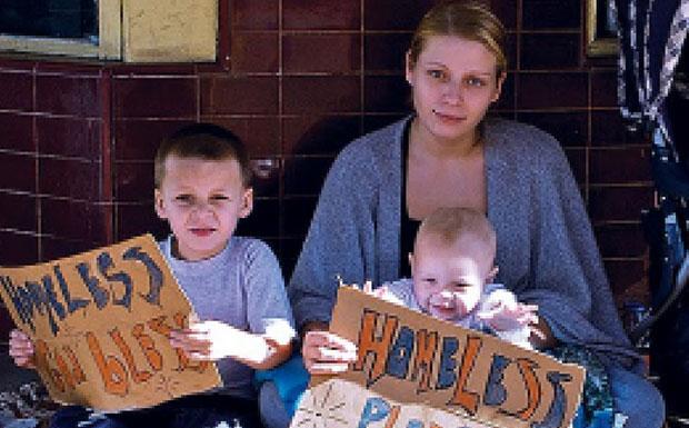 Homeless family image