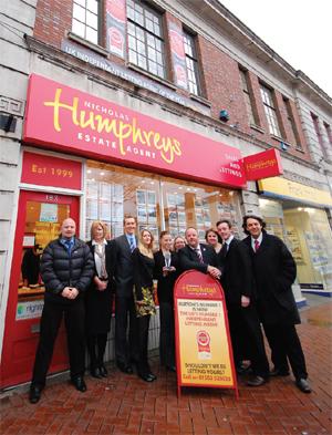 humphreys-staff-outside-window-board