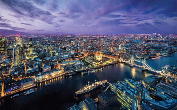 London city scene image