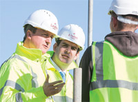 Prime Minister meets the builders image