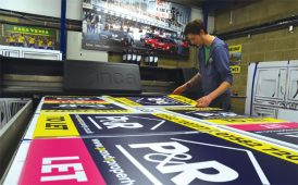 Making signboards image